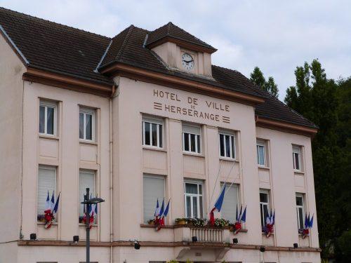 Minute de silence en hommage aux victimes de Nice