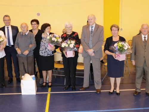 Quatre couples à l'honneur