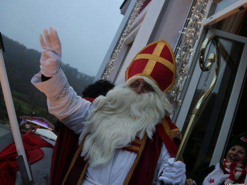 Saint Nicolas brave la pluie de Herserange à Longwy