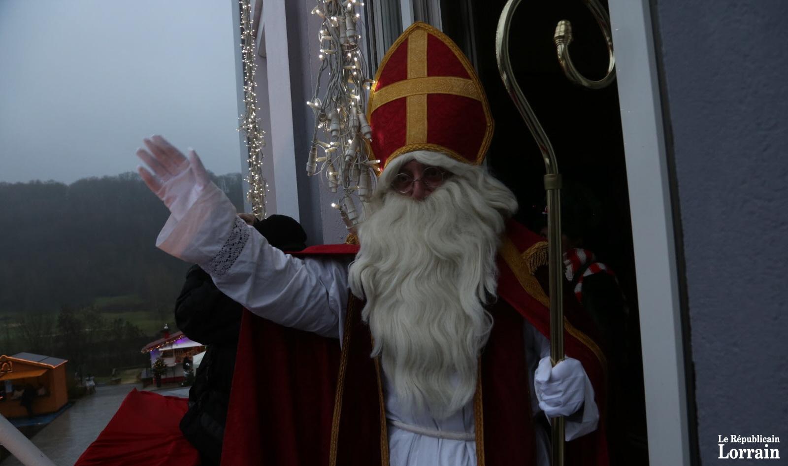 Marché de Noël, animations et défilé de saint Nicolas
